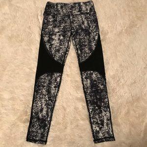 Pants - Black&White Leggings W/ Mesh Accents & Rear Pocket